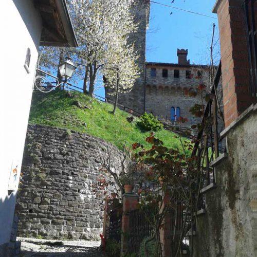 01-trisobbio-castello1